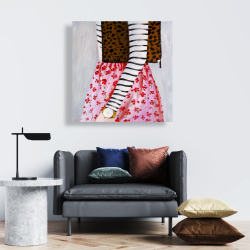 Canvas 24 x 24 - Fashionable woman with a leopard bag