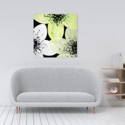 Canvas 24 x 24 - Yellow flower with burst center