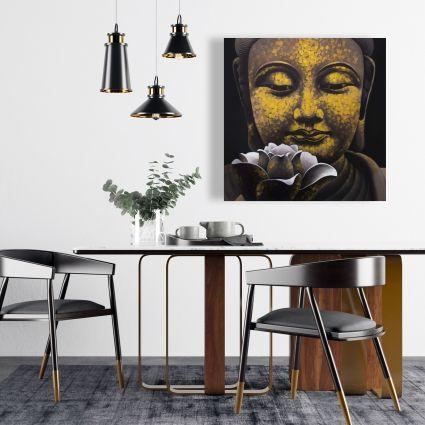 Le sourire éternel de bouddha et son lotus