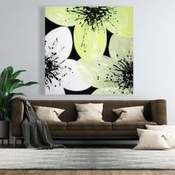 Canvas 48 x 48 - White & yellow petals