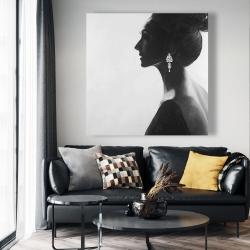 Canvas 48 x 48 - Chic woman