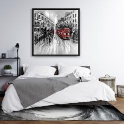 Encadré 36 x 36 - Rue en noir et blanc avec bus rouge