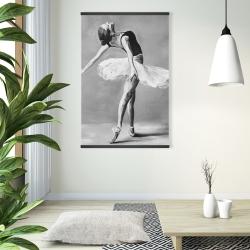 Magnetic 28 x 42 - Classic ballet dancer