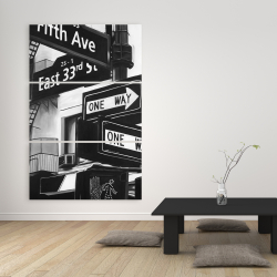 Canvas 40 x 60 - New york city signs in front of an appartment