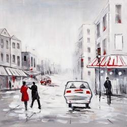 Couple marchant dans la rue avec accents rouges