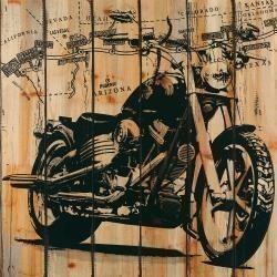 Moto sur fond de bois