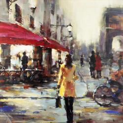 Femme marchant dans paris