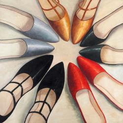 Cing paires de chaussures pour femme