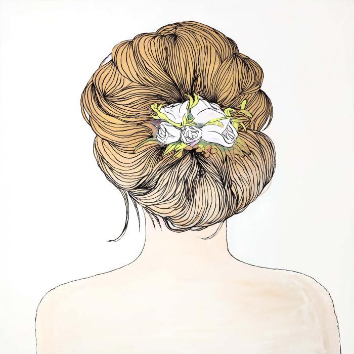 Fleurs dans les cheveux blond