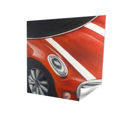 Plan rapproché d'une voiture rouge à lignes blanches